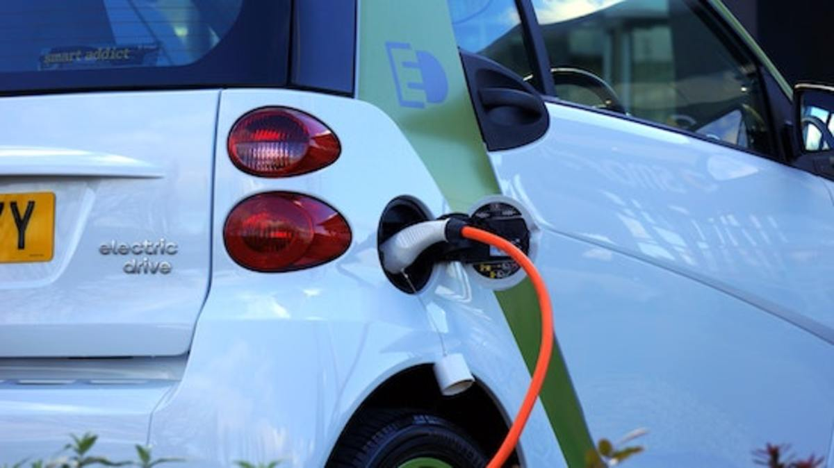 the-difference-between-hybrid-and-plug-in-hybrid-vehicles