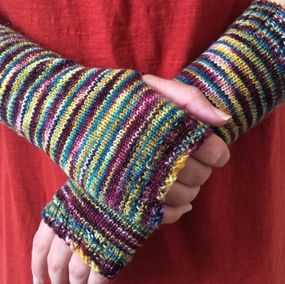 Free Simple Fingerless Mitts Knitting Pattern | FeltMagnet