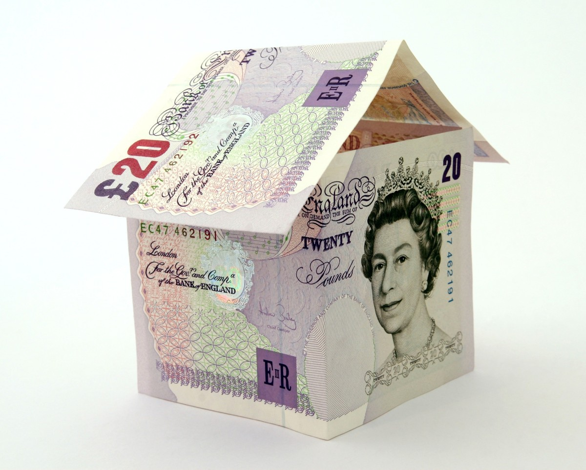Learn about the UK house sale process from a seller who has been through it.