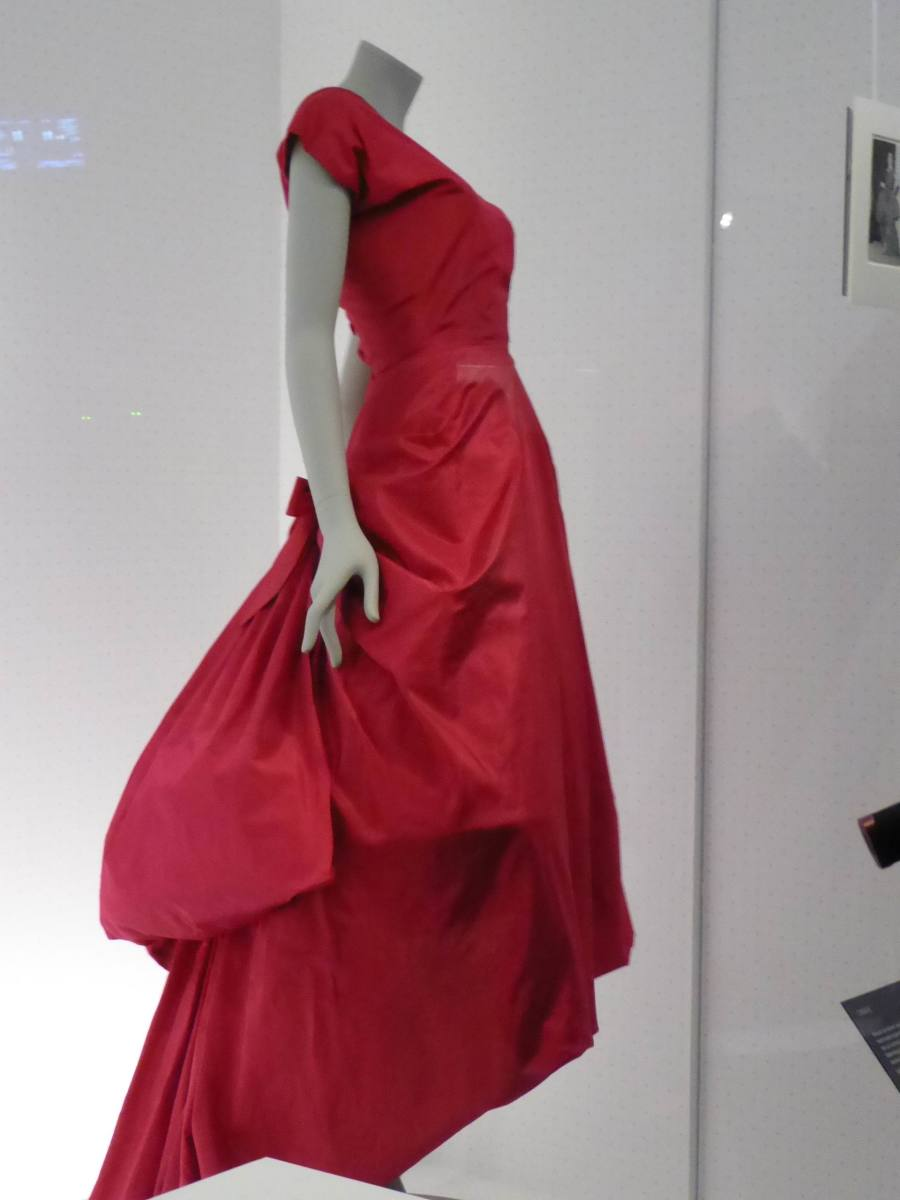 This fuchsia evening dress was the first garment by Balenciaga to enter the V&A's collection. Image by Frances Spiegel with permission from the V&A Museum. All rights reserved.