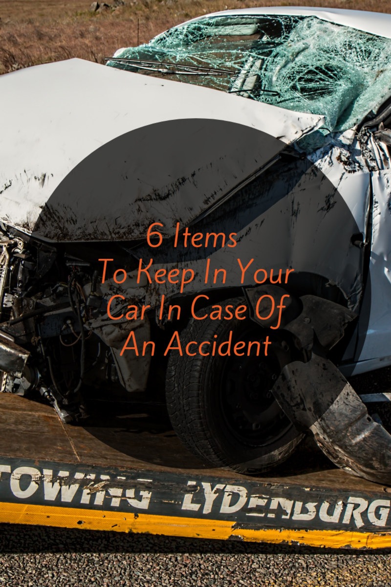 6 Helpful Items to Keep in Your Car in Case of an Accident