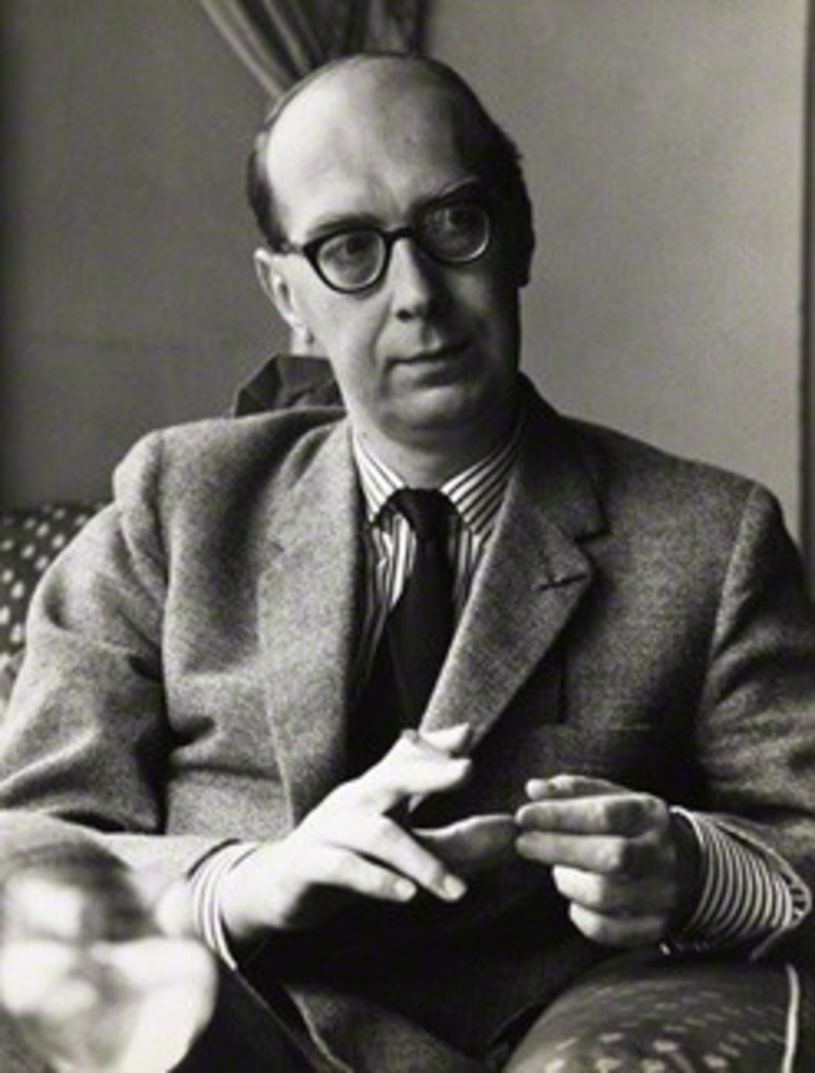 "Analysis of Poem ""An Arundel Tomb"" by Philip Larkin"