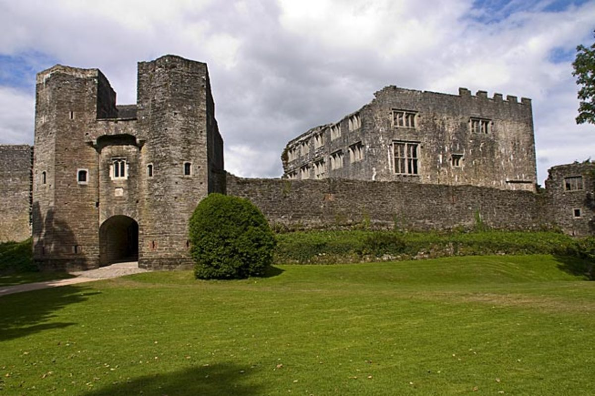 The Ghosts of Haunted Berry Pomeroy Castle