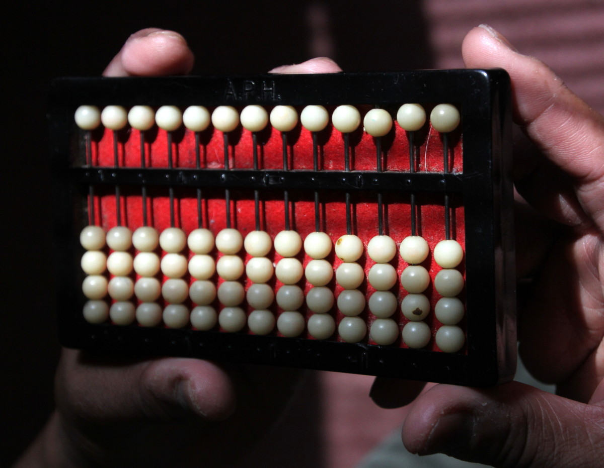 "An abacus ""at rest"" or set at 0"