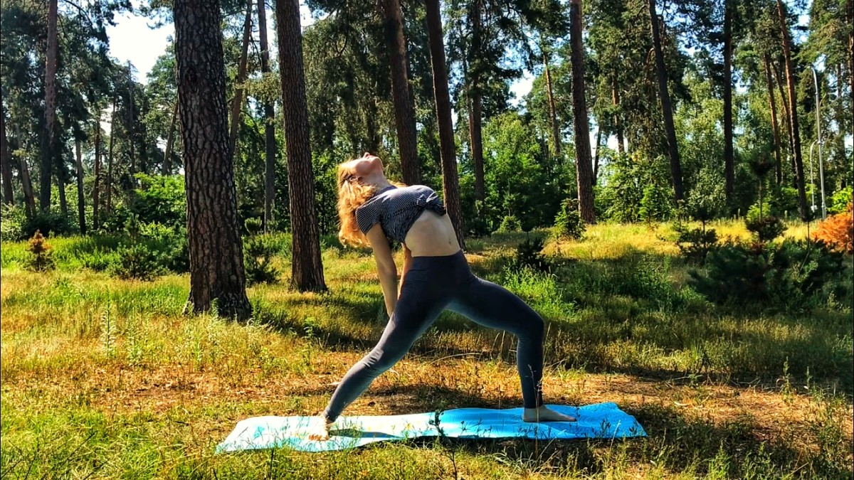The Best Online Yoga Classes (7  Great Yoga and Fitness YouTube Channels)