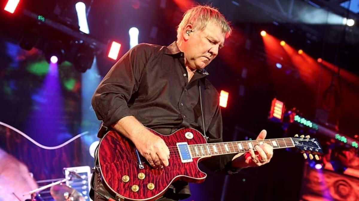 alex-lifeson-les-paul-guitars-the-gibson-es-les-paul-alex-lifeson-vs-the-gibson-cusom-alex-lifeson-axcess-les-paul
