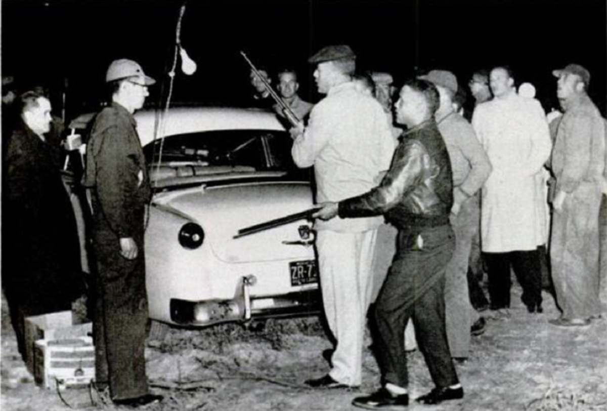 Lumbee men confront Klansmen at the intended KKK rally