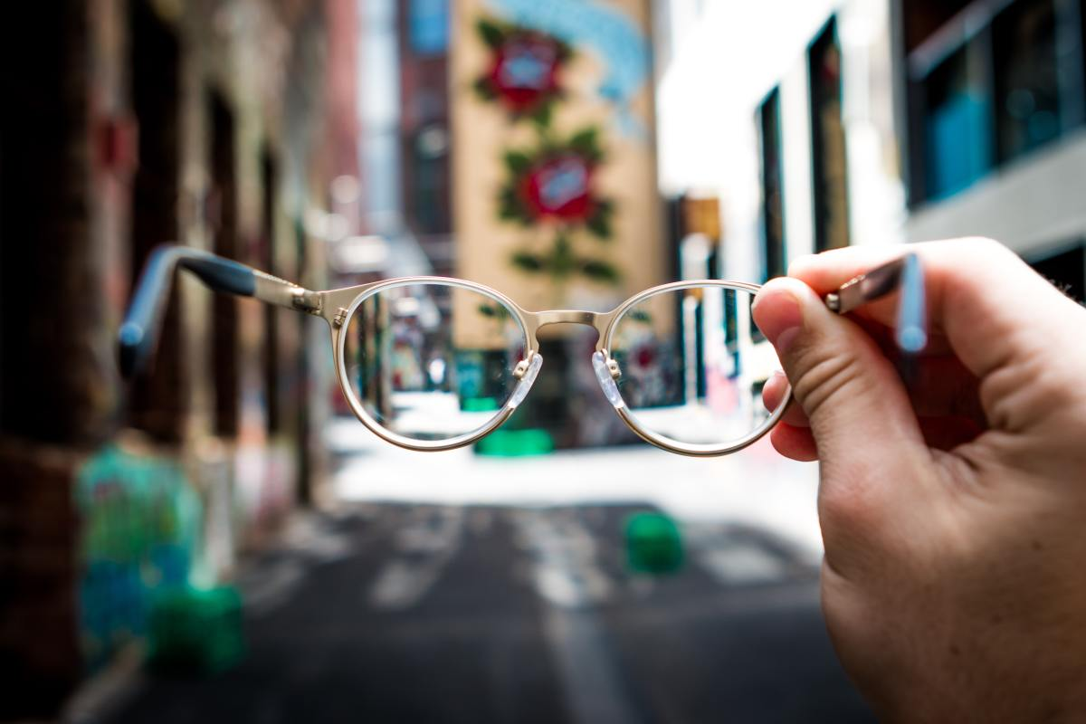 Best sites online for buying prescription glasses and sunglasses.
