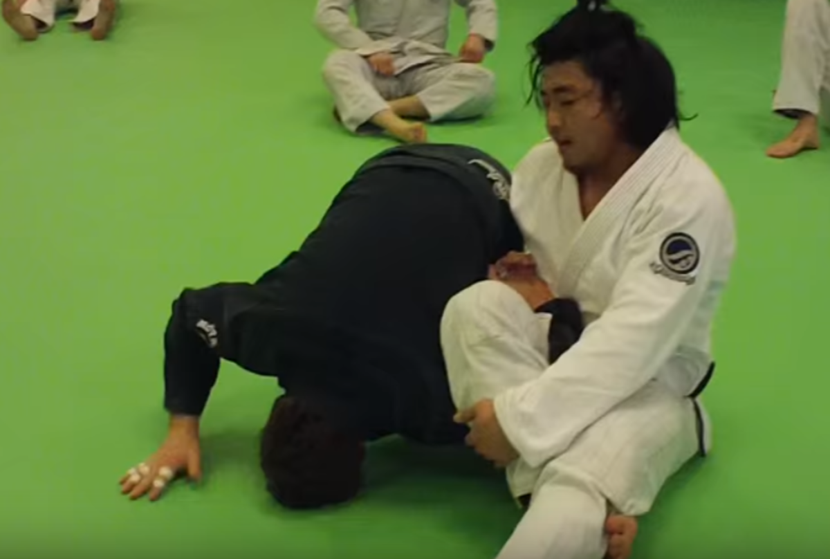 How to Escape the Omoplata