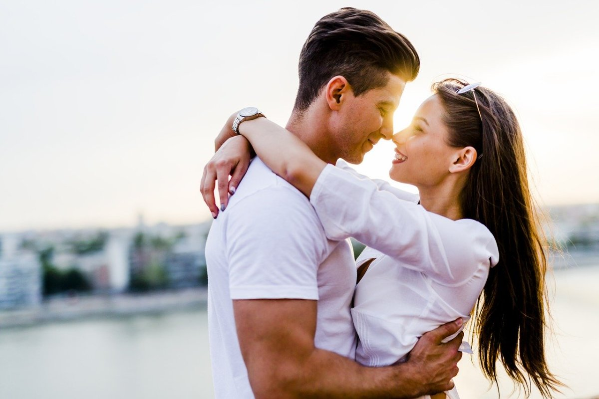 How to Find a Good Boyfriend: 8 Uncommon Tips for Attracting an Amazing Man