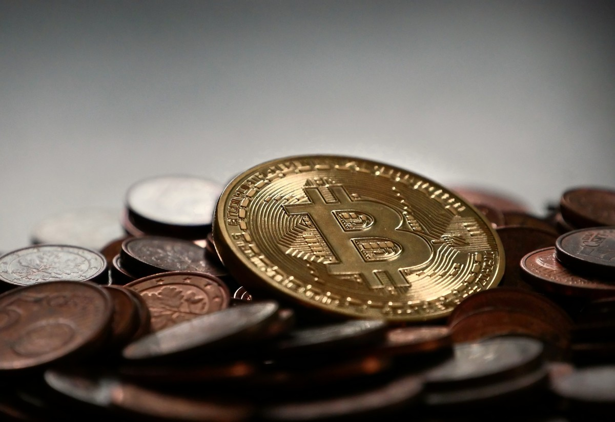 how to buy and sell virtual currency