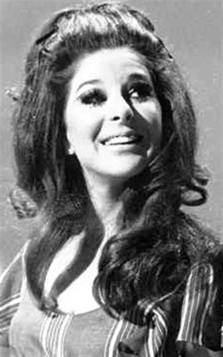 Photo of country singer Bobbie Gentry taken in 1970.