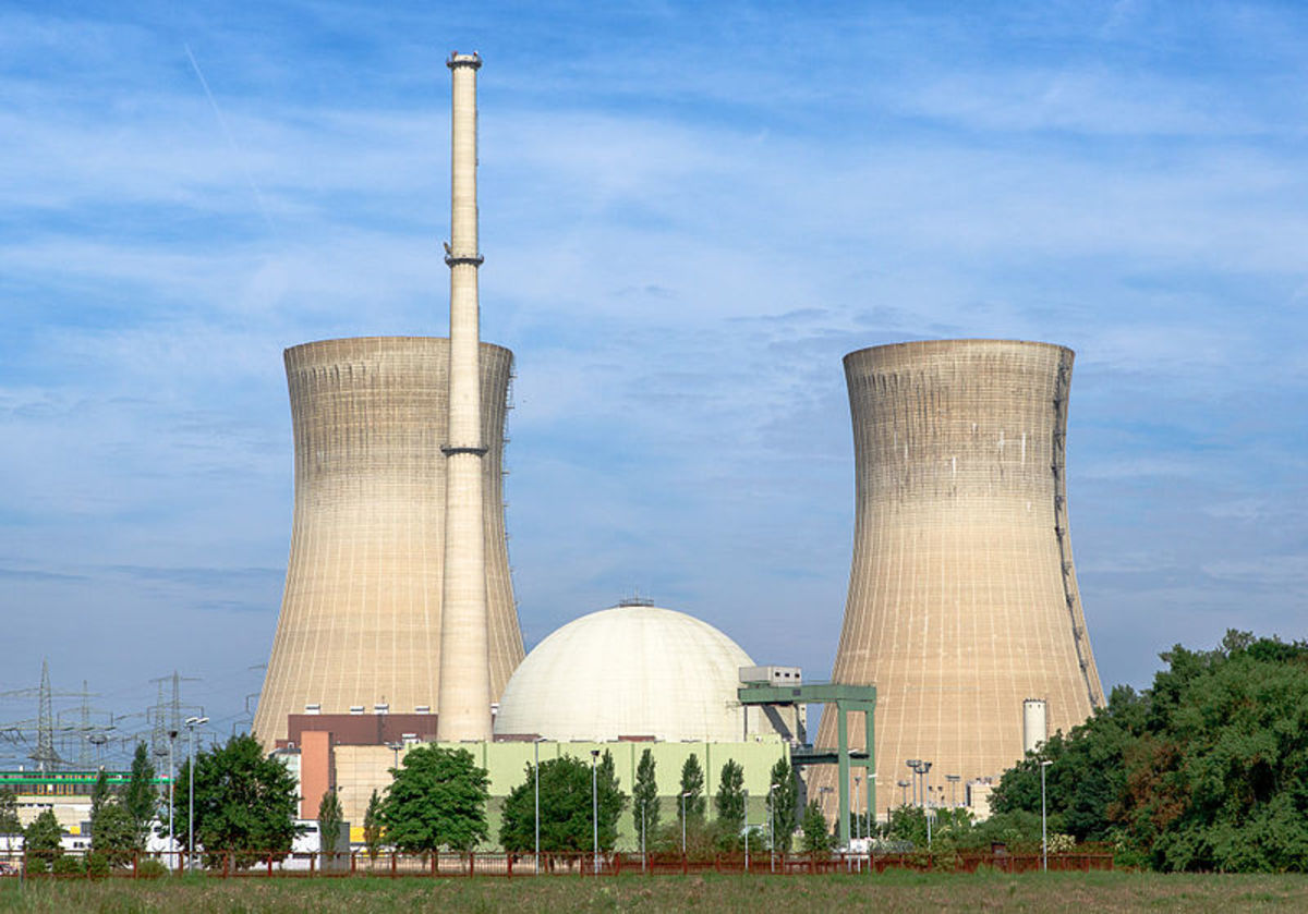 A nuclear power plant in Grafenrheinfeld, Germany. The iconic towers are just for cooling, the nuclear reactor is contained within the spherical containment building.
