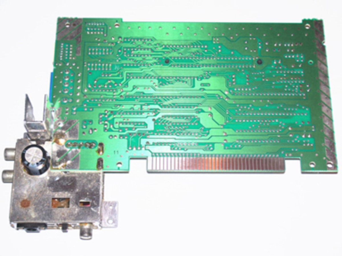 A NES motherboard after its contacts have been cleaned with metal polish.