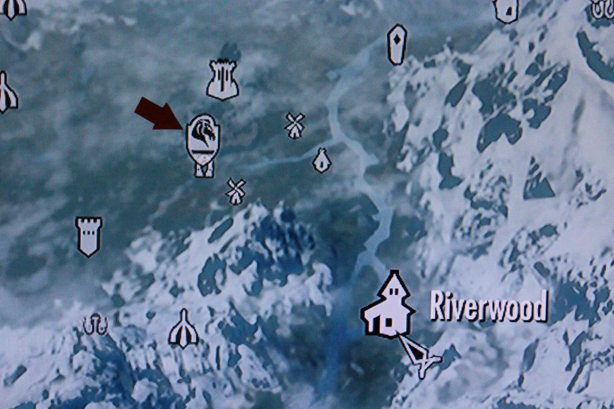 Follow the red arrow to Whiterun.