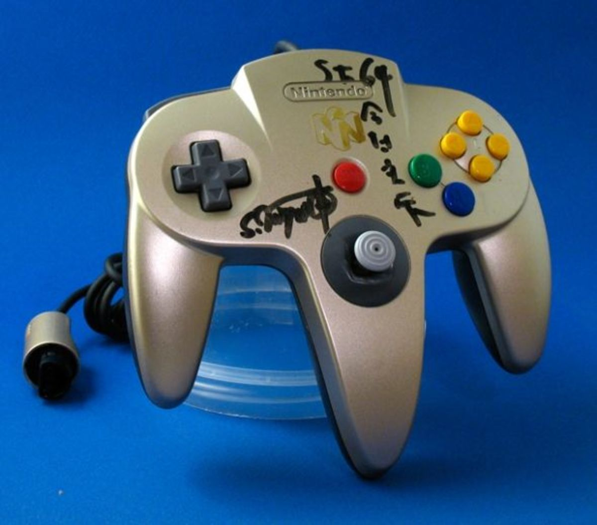 Rare Autographed N64 1997 E3 Controller