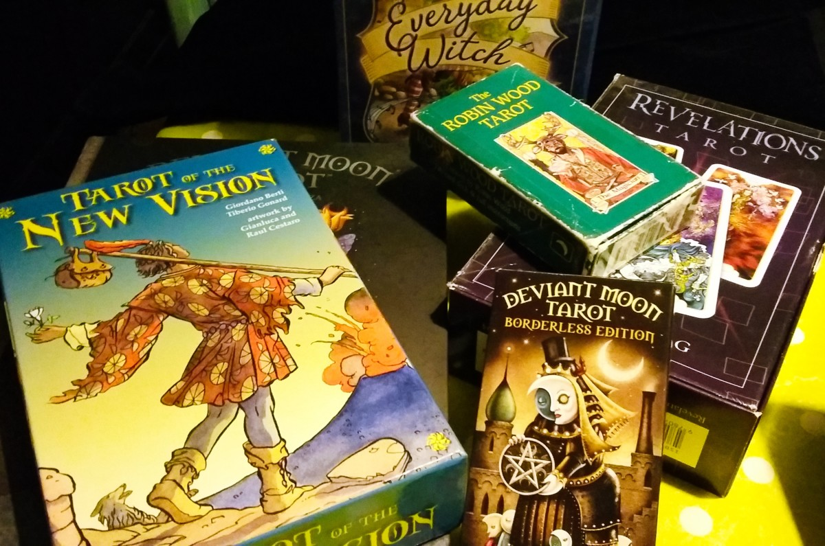 My 5 Favorite Tarot Decks