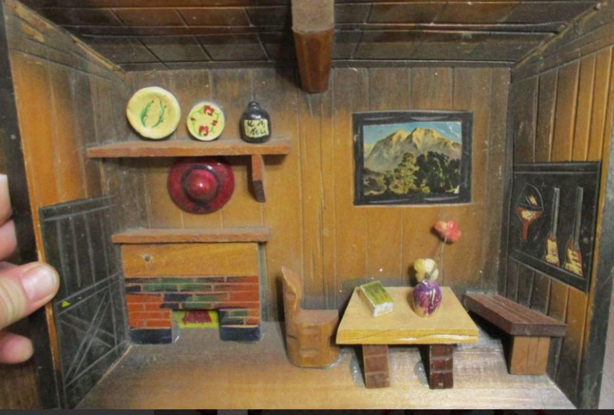 Finding Inspiration in Vintage 3-D Wooden Art