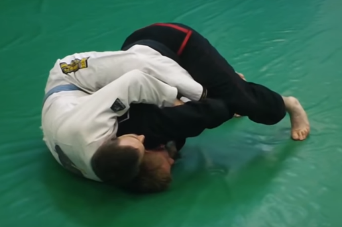 how-to-escape-the-back-from-the-knees-in-bjj