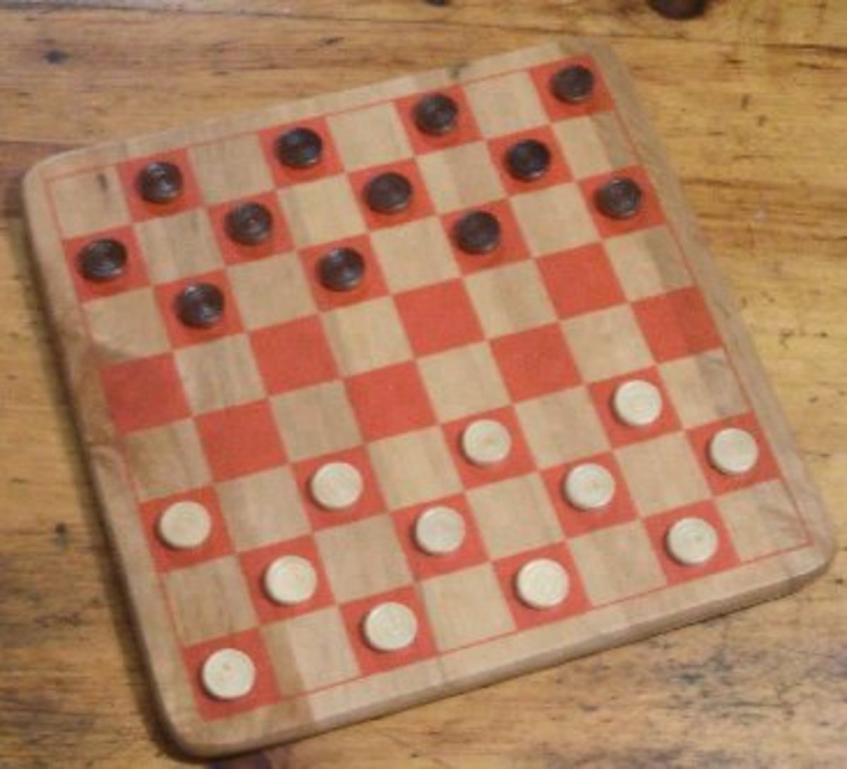 Checkers has few rules and is very easy to learn but doesn't offer players the rich gameplay of chess.