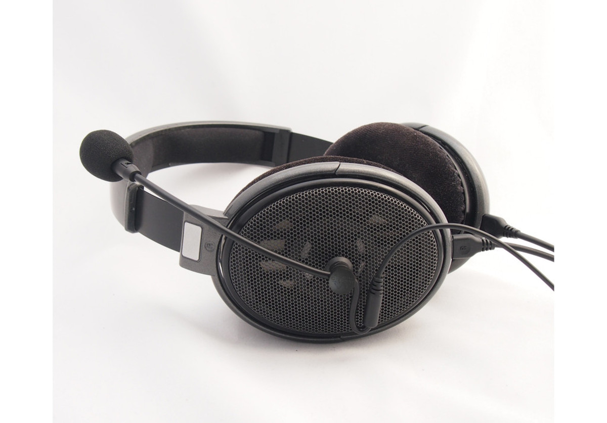 The Antlion ModMic 4.0 looks like it belongs with just about any pair of headphones you'll purchase.