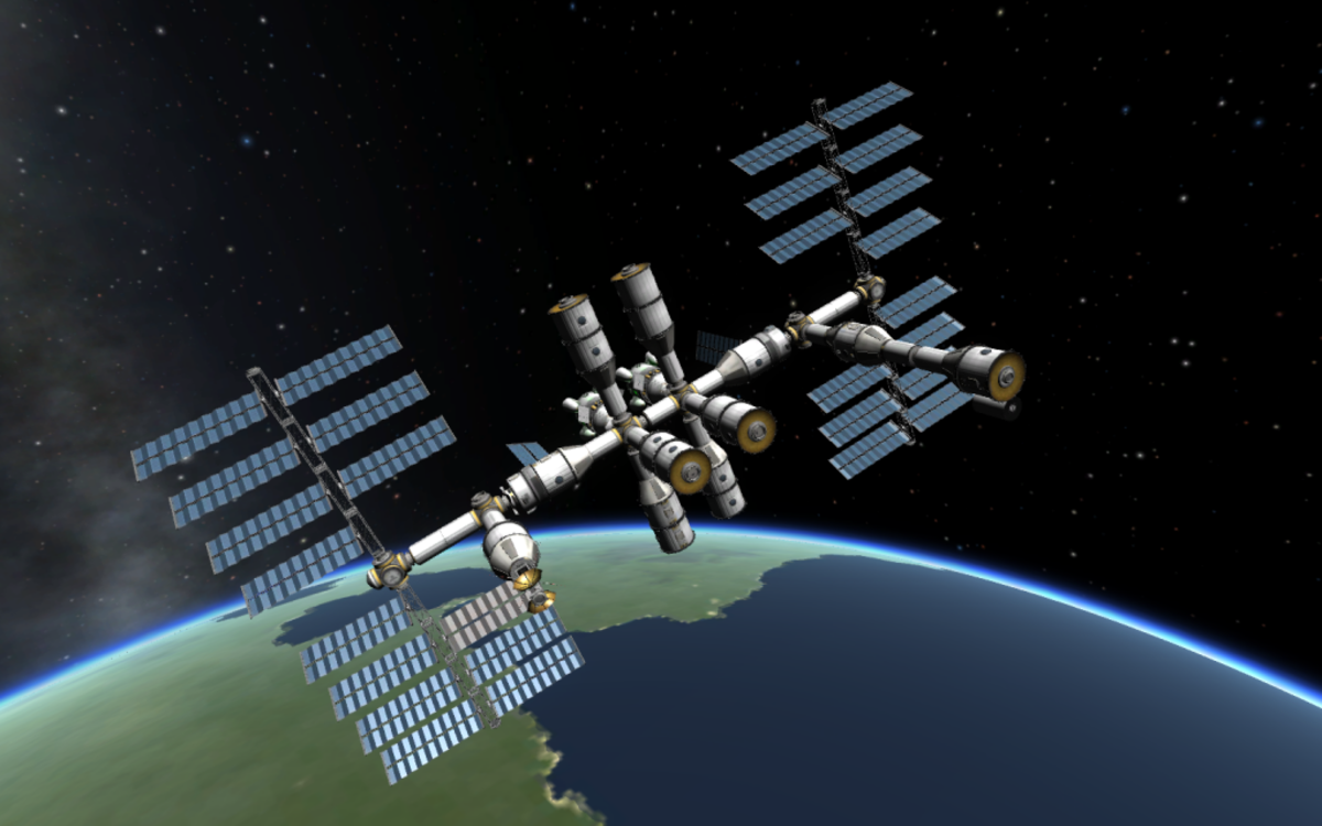 A space station orbiting Kerbin - The imagination is your limit