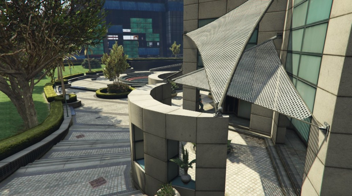 West Entrance of Maze Bank.