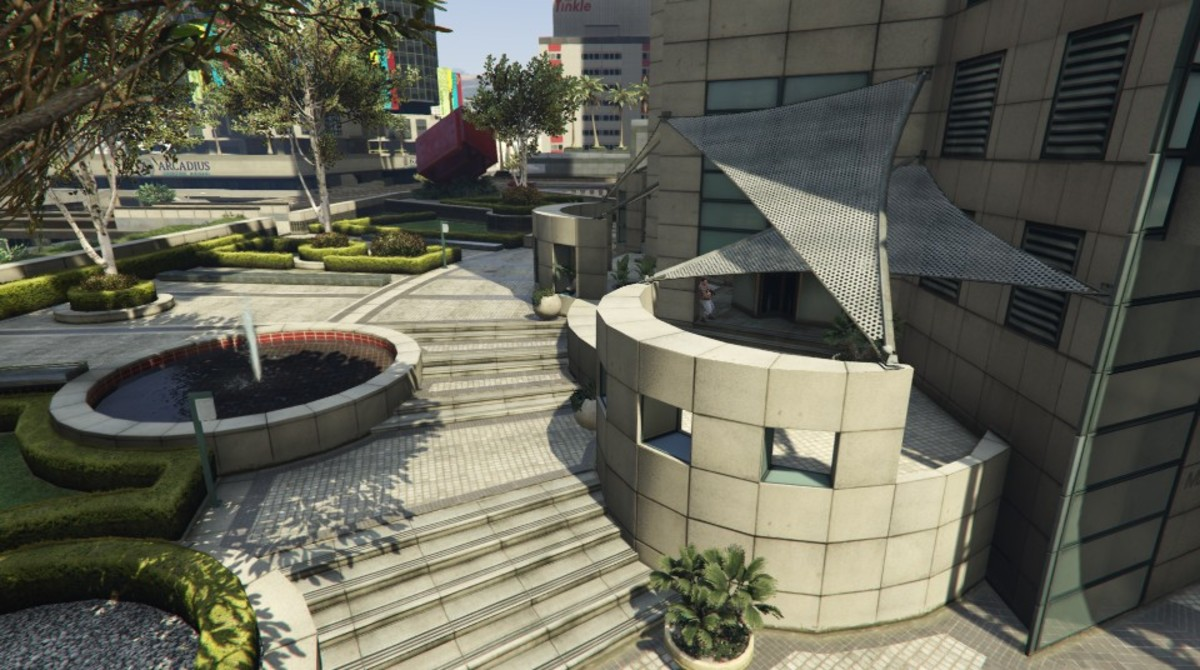 East Entrance of the Maze Bank.