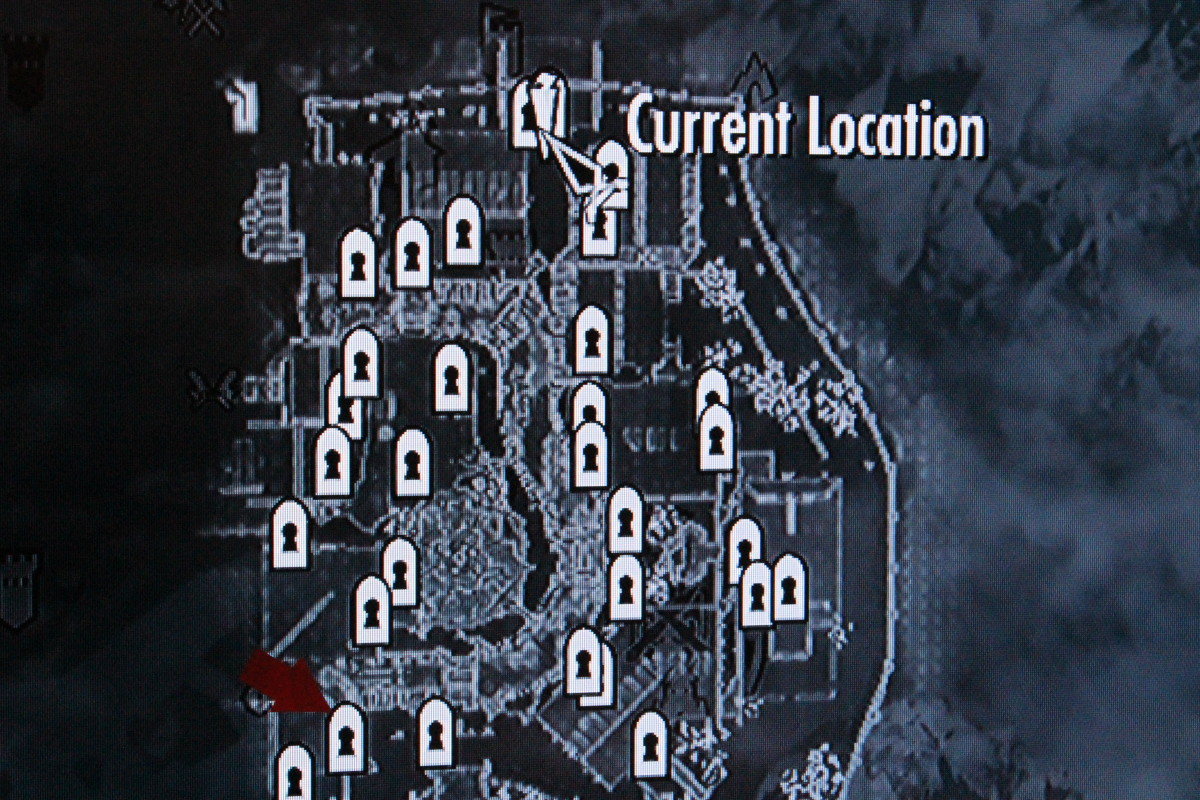 The arrow points to the orphanage from fast-travel.