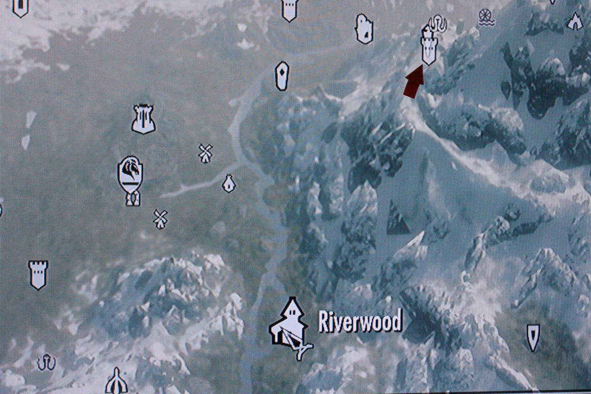 Follow the arrow to High Hrothgar.