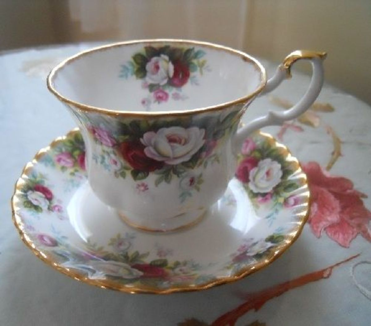 Royal-Albert-Celebration-teacup