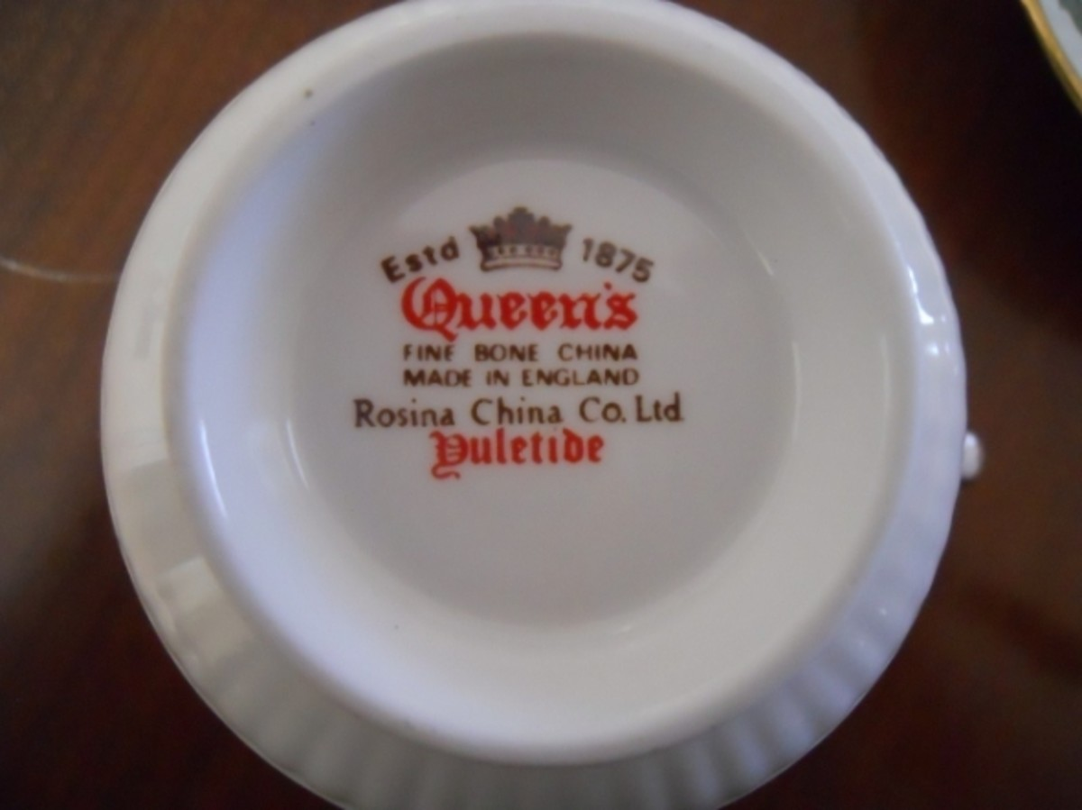The mark on the Queen's Yuletide cup is very clear.