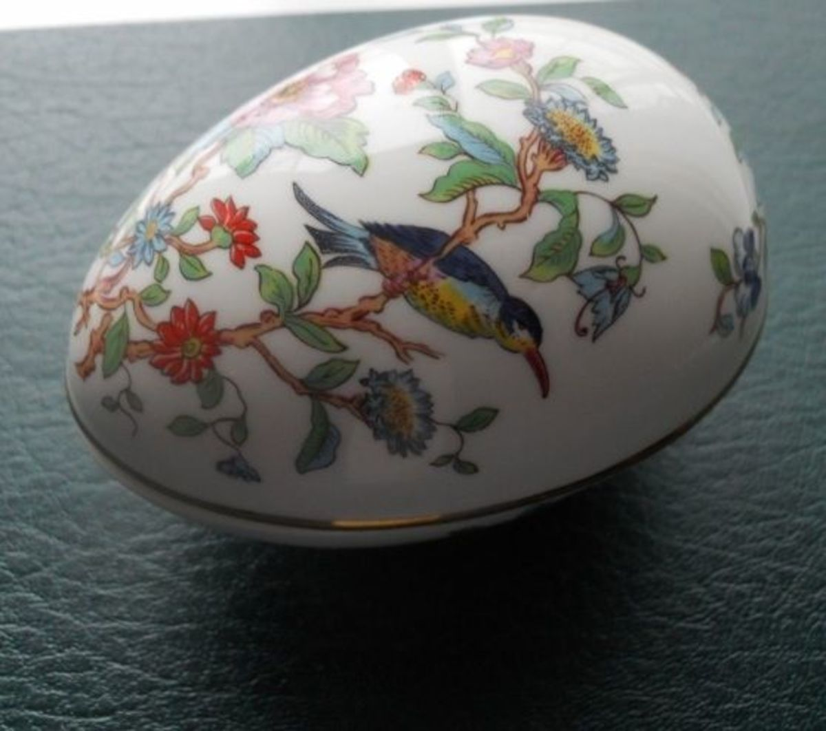 Aynsley Pembroke egg, a relatively new piece