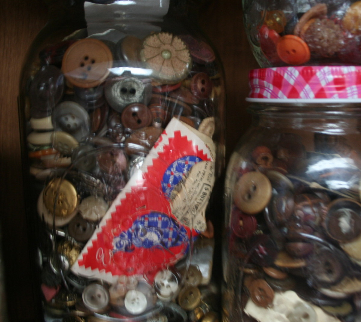 I store my buttons in canning jars.