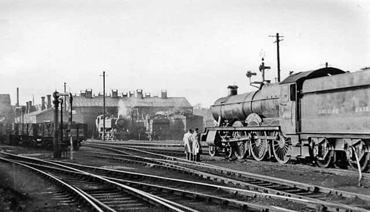 In the south-west, Exeter St David's shed in south Devon, some agricultural produce to be sent up to town (London), largely passenger and commercial traffic