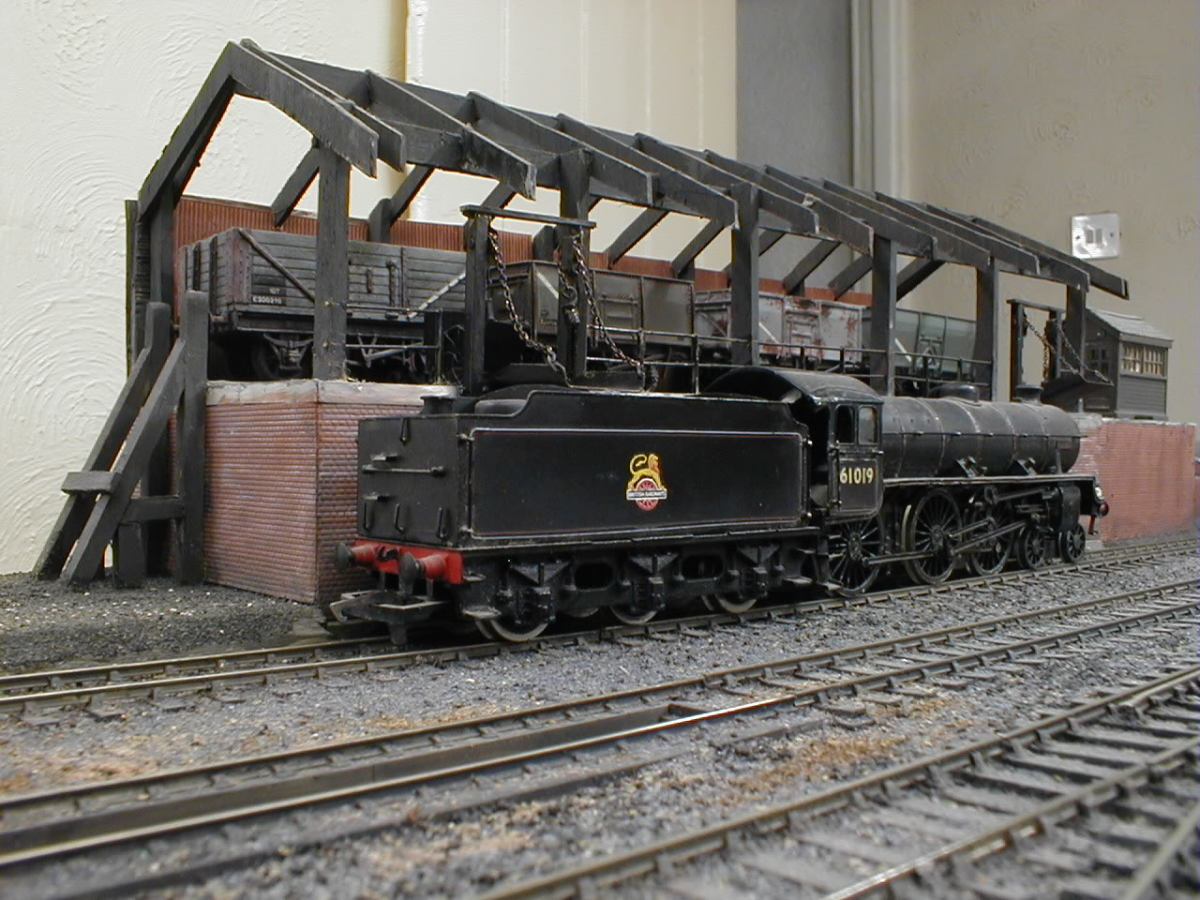 Let's round off the tour of British motive power depots in reality, in model form and on maps with a spick and span loco coaling stage on the LNER system (looks like the roof is to be completed, and some degree of weathering is due, as on the loco
