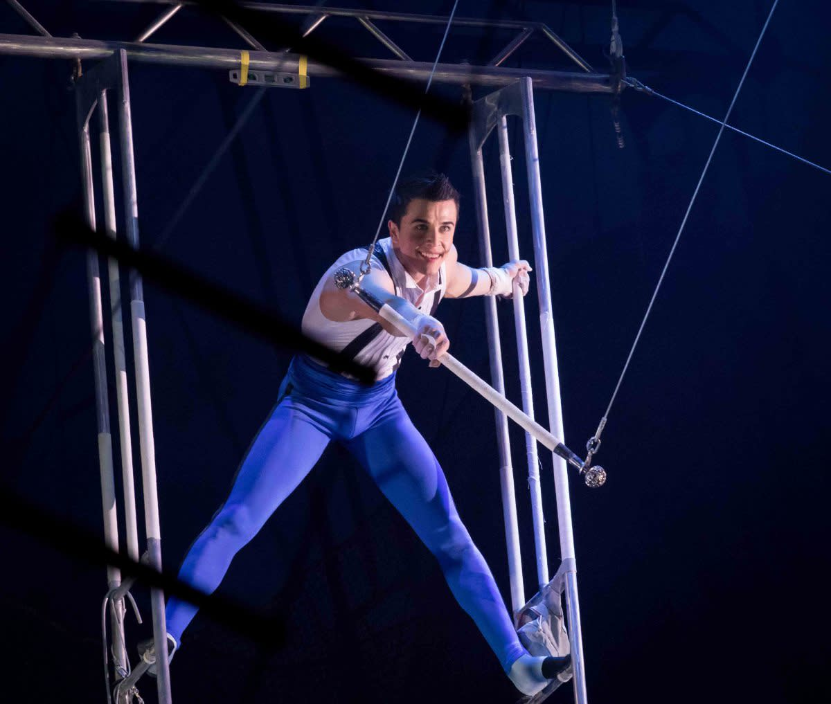 Ammed Tuniziani gets ready for the swing; Big Apple Circus