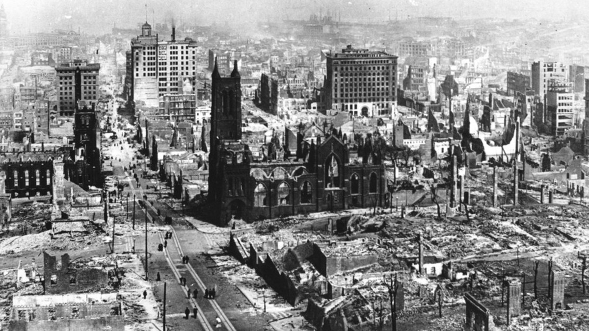 In 1906, the San Francisco earthquake and fire destroyed nearly 75% of the city.