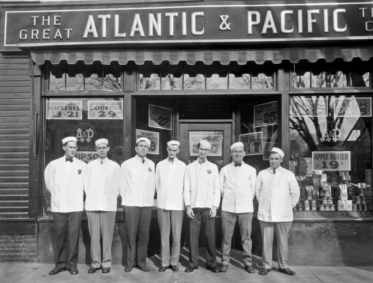 In 1906, the Great Atlantic & Pacific Tea Company was a purveyor of groceries.