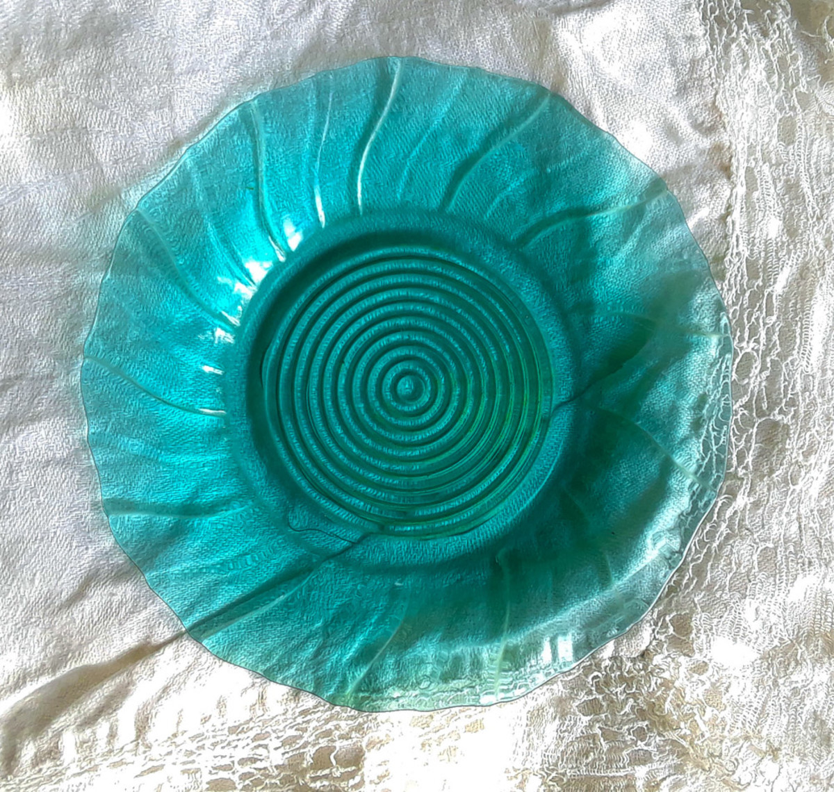 This Swirl or Petal Swirl luncheon plate was easy to identify due to its unusual color: ultramarine. (Jeanette Glass Company, 1937–1938)
