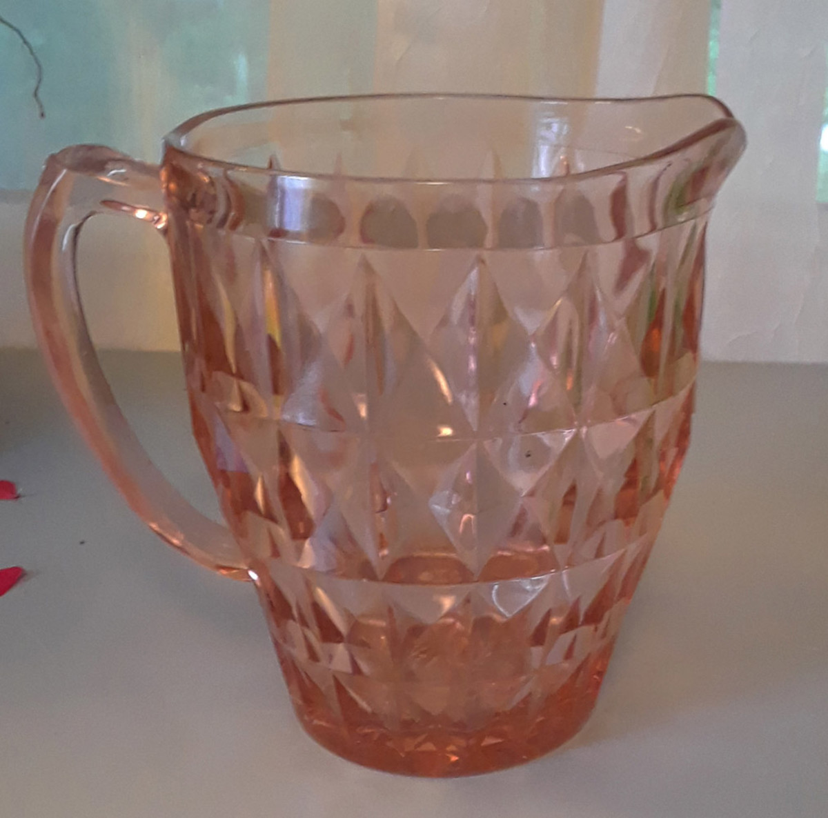 Depression glass Windsor pitcher by Jeanette Glass Company, 1936–1946
