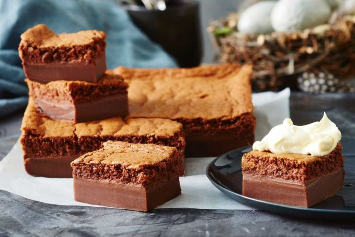In 2016, chocolate magic cake was a popular American dessert.