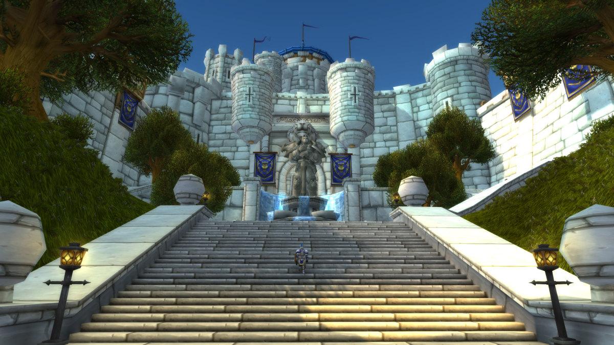 King Varian Statue