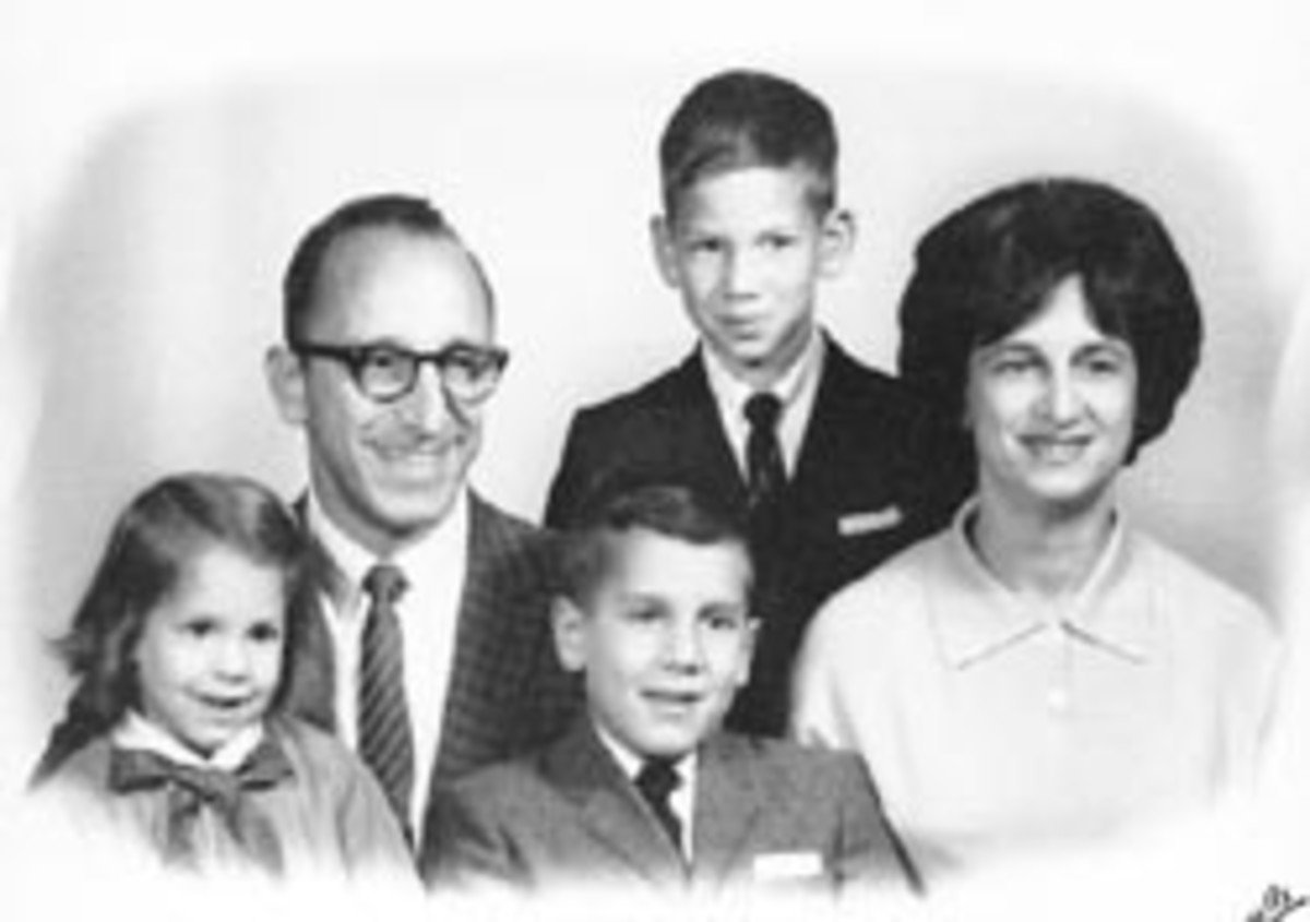 Ralph H. Baer, his wife Dena, their sons Mark and James, and daughter, Nancy.