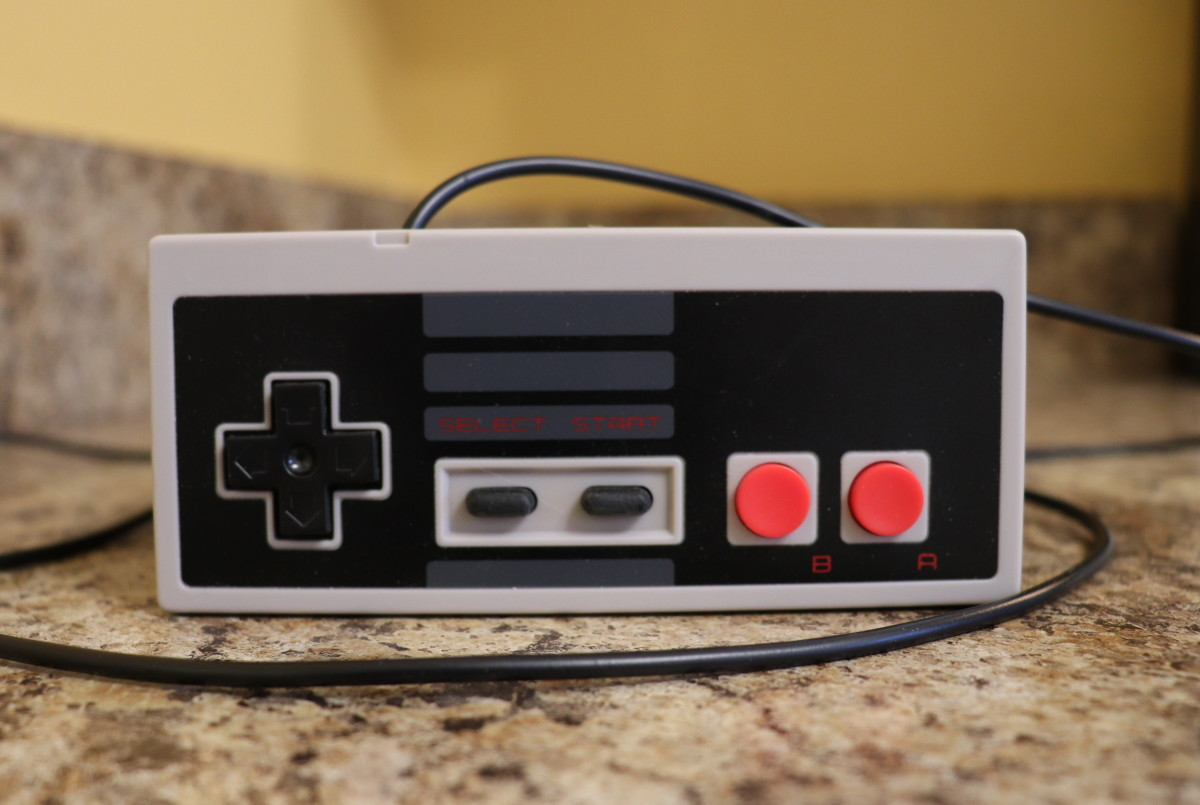 Some scammers leave Nintendo trademarks off the packaging, console and controllers.