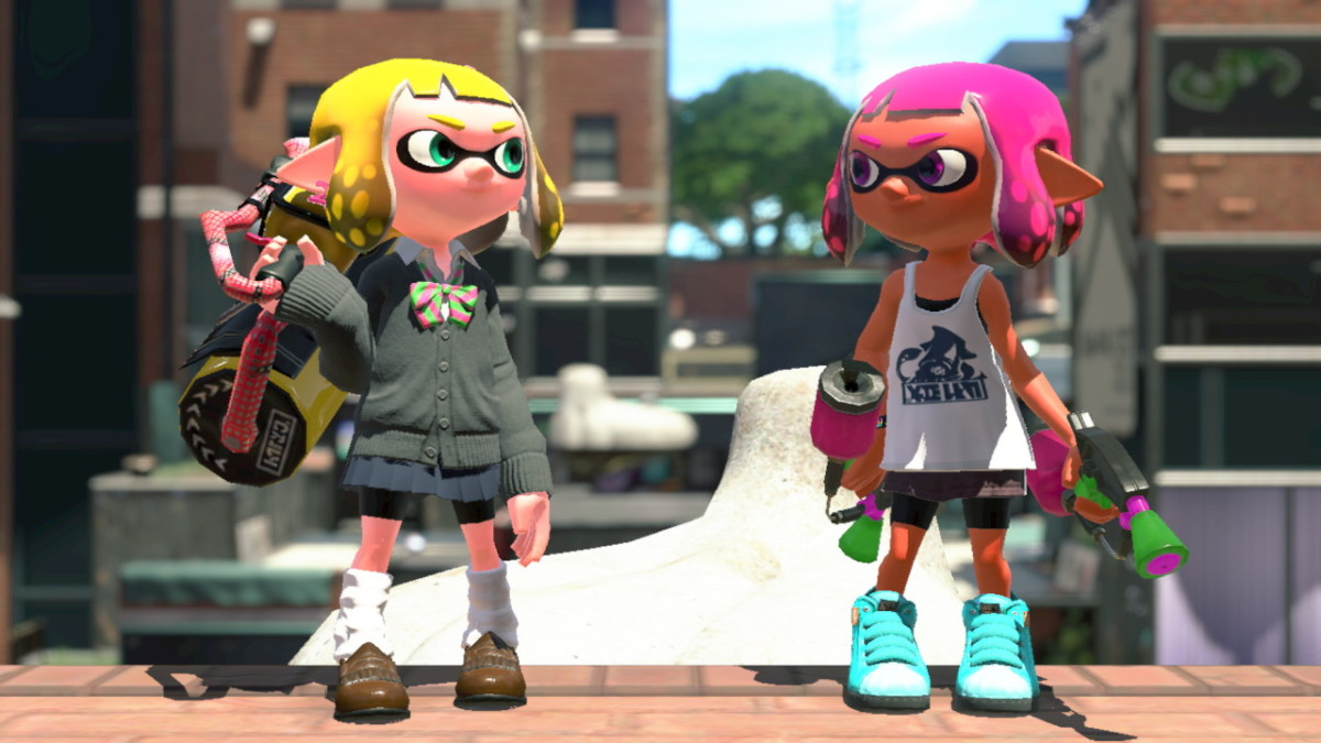 "Here my Inkling shows off the gear given to her by the ""Splatoon 2"" Inkling Girl Amiibo."