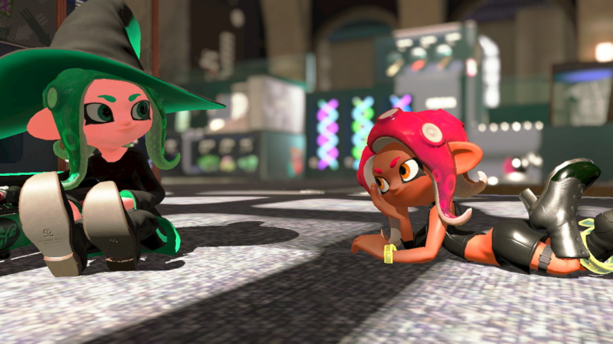 My Octoling, Niika, chlling with the Octoling Girl Amiibo.