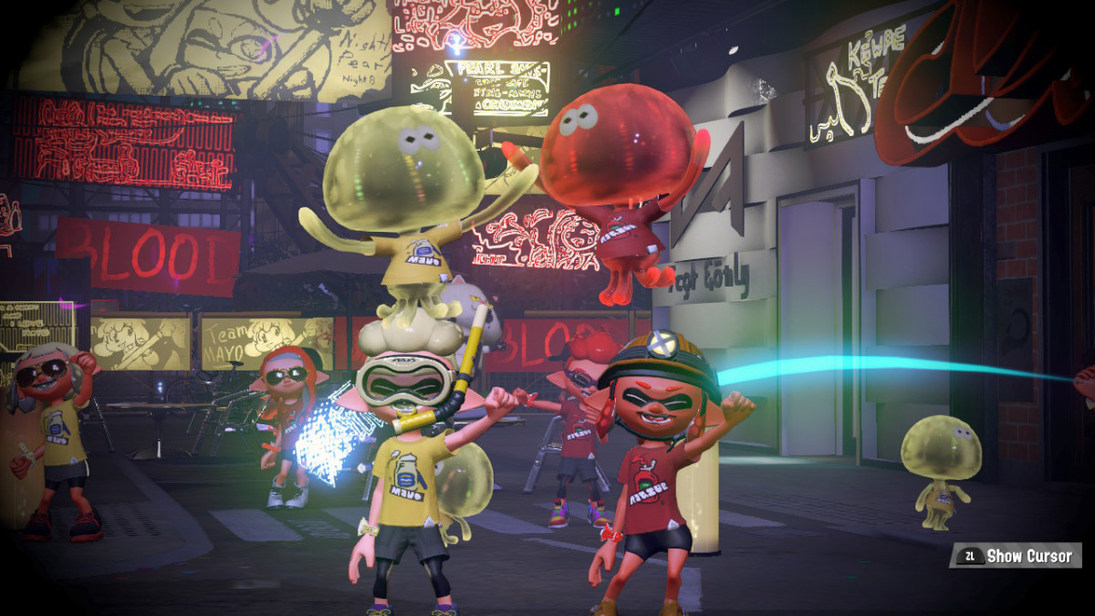 Inkopolis Square is LIT during Splatfest. I took this screen shot during Mayo vs. Katchup.