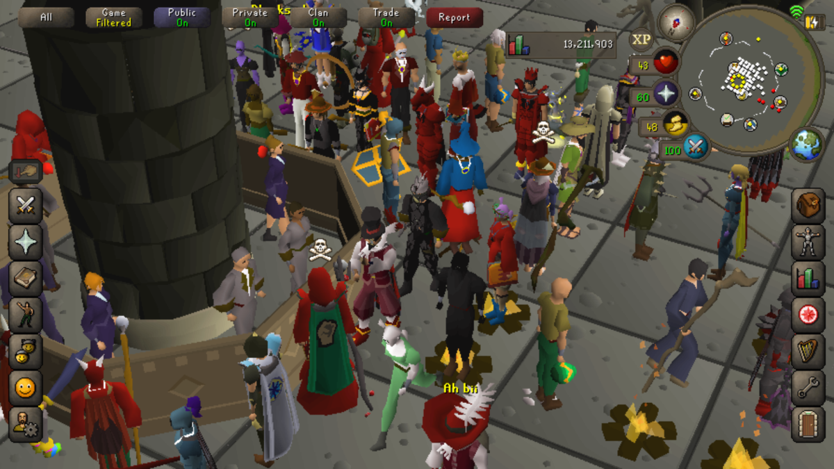 Many players at the GE (Grand Exchange) in OSRS.