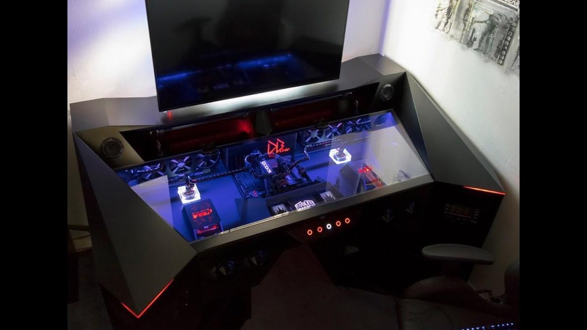 YouTuber MegaDeblow's custom built PC.